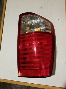 2006 2009 KIA SEDONA RIGHT  PASSENGER SIDE TAIL LIGHT ASSEMBLY OEM 924-4D0