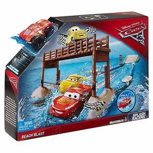 Disney/Pixar Cars 3 Splash Racers Beach Blast Playset Lighting Mc Queen Set
