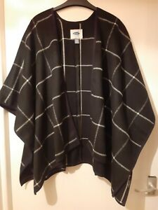 Old Navy - ladies cape - black with white squares - XS-S