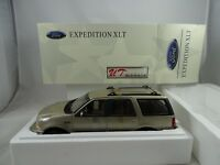 1:18 Ut / Autoart #22716 Ford Expedición Regular Xlt Metálico Oro -