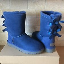 UGG SHORT BAILEY BOW II DARK DENIM WATER-RESISTANT SUEDE BOOTS SIZE 8 WOMENS
