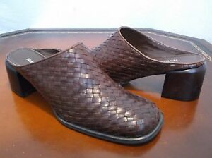 Naturalizer Slip on Woven leather Mule 2in heels Womens Sz. 8 M