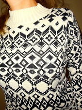 NWOT Old Navy crème black tribal Aztec sexy womens ski lodge sweater top Small