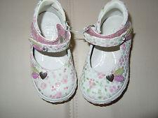 chaussure neuve p 19 marque noel blanche fleurs coeur cuir