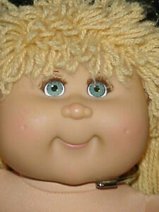 CABBAGE PATCH DOLL PLAY ALONG with EYELASHES