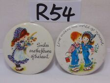 VINTAGE PIN PINBACK BUTTON NORCROSS SMILES FLOWERS OF HEART-LOVE MAKES WORLD GO