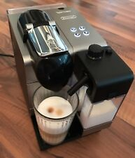 Nespresso Kapselmaschine DeLonghi Lattissima+ Palladium Silver, silber    EN520S