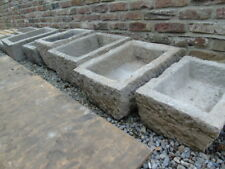 auge en pierre bleu massif ou bac , jardinière, reste +- 85 pièces .