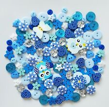 150 STUNNING QTY BLUE WOOD/RESIN BUTTONS SEWING SCRAPBOOKING BOX FRAMES CRAFTS