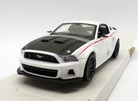 Maisto 1/24 Scale 31506W - 2014 Ford Mustang Street Racer - White
