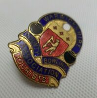 Warwickshire Country Bowling Association Tourists Metal Enamel Pin Badge