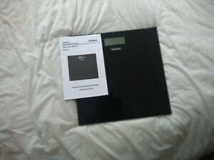 VonHaus Digital Electronic Bathroom Scales in a Slim Design in Black with LCD