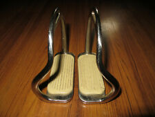 Coronet safety stirrups