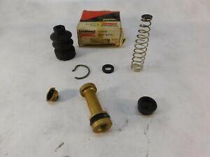 Renault R8 R10 Caravelle Brake Master Cylinder Repair Kit    552138    1966-1968