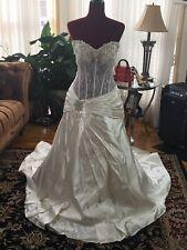 ALFRED ANGELO DREAM MAKER WEDDING DRESS - DESIGN BY PICCIONE. Size 18