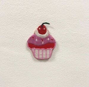 Cute Cup Cake Badge Clothes Iron on Sew on Embroidered Patch appliqué