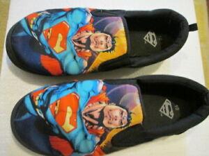 Superman Slip On Canvas Men's Size 10 Loafer Superhero Comics bedroom Slippers