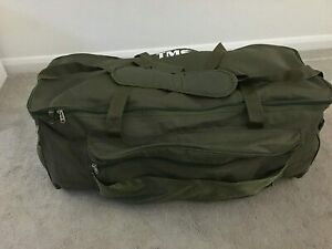 XXL Fishing Carryall/Tackle Bag Holdall Extra Large Carp Fishing.Faulty - £12.99