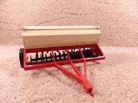 Vintage 1973  ERTL 1/16 Scale Diecast  International Tractor Grain Drill Red
