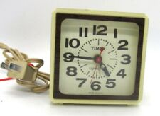 Timex Clock Company Vintage Electric Alarm Clock 7413-4A Tested Large Numbers