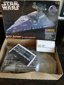 AMT STAR WARS STAR DESTROYER  SPACE SHIP WITH FIBER OPTIC LIGHTING MODEL KIT