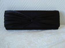 Pochette satin noire avec noeud