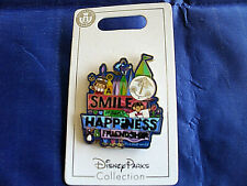 Disney * IT'S A SMALL WORLD SIGN - Smile Happiness Friendship * New Trading Pin