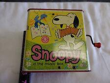 Vintage 1966 PEANUTS & SNOOPY Mattel Jack in the Metal Music Box