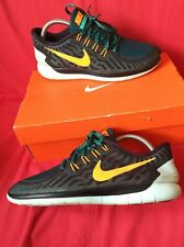 Nike  mens trainers size 8 black camelion free run running or gym