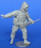 MasterClub 1:35 Russian Modern Soldier w/ VSS Vintores - Resin Kit #MCF35224