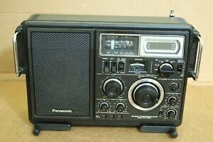 classic PANASONIC model: RF-2900 shortwave RADIO World-Band Receiver