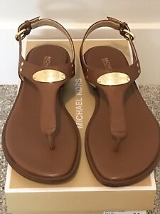 Michael Kors MK Plate Thong womens Luggage leather sandals size 7.5M NIB $80