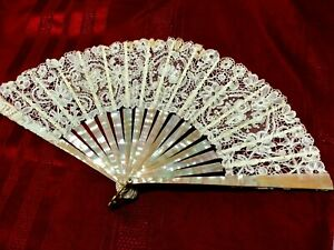 GORGEOUS MOTHER OF PEARL AND BRUXELLE LACE HAND FAN c1900