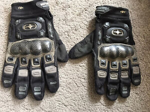Vintage Motocross  No Fear Racing gloves.