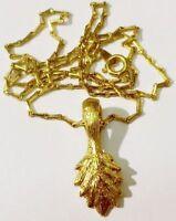 pendentif chaine rétro feuille gravé relief bijou vintage couleur or * 4955