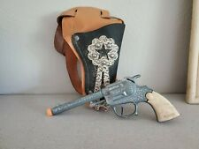Vintage Toy Wyandotte Rancher Cap Gun w/ Leather Holster & Strap.  Safety Plug