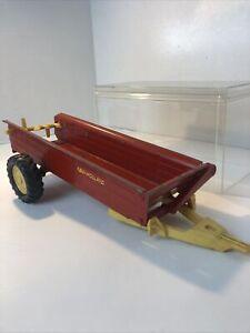 Vintage Ertl New Holland Pressed Steel Red Toy Spreader Trailer 13in