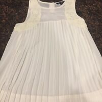 American Eagle Outfitters Ivory Sleeveless Top With Front Pleats, Size XS
