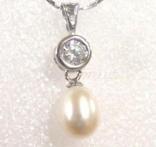 Simulated Pearl Beauty Costume Necklaces & Pendants