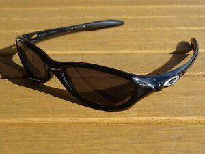 Oakley Sonnenbrille Modell Fate Schwarz Grau Herren Brille Sunglasses