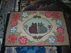 LOVELY EARLY ANTIQUE 1900 CAT MOTIF AMERICANA HOOKED RUG 27X40