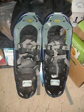 Guide series brand snow shoes size 8 X 25 in good condition.