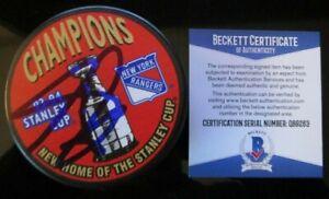 ADAM GRAVES SIGNED NEW YORK RANGERS '94 STANLEY CUP PUCK BECKETT COA Q89263