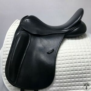 """County Perfection 17"""" M Dressage Saddle"""