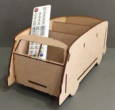 VW Y111 Pantalla Dividida Camper Pluma remoto de TV Soporte Soporte Almacenamiento Regalo De Cumpleaños