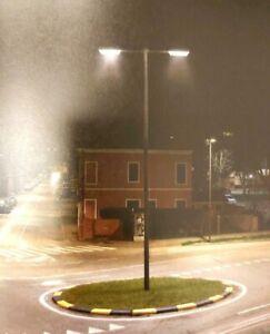 Straßenbeleuchtung Parkbeleuchtung Lampe Orao Seitlicher Mastanschlus  Italy NEU