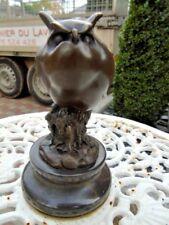 chouette en bronze sur marbre signé , statue bronze animalier .