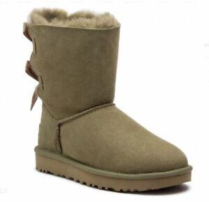 """UGG Australia """"W Bailey Bow II"""" Boots Damen Schuhe Alp khaki grün Lammfell NEU"""