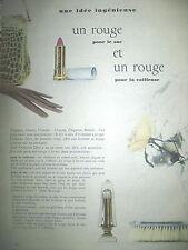 PUBLICITE DE PRESSE DIOR ROUGE A LEVRES POUR LE SAC POUR LA COIFFEUSE AD 1955