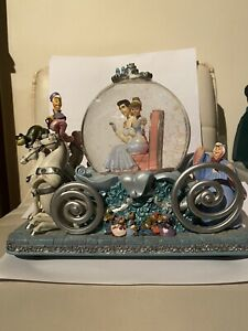"""Disney Cinderella 50th Anniversary """"So This Is Love"""" Musical Carriage Snow Globe"""